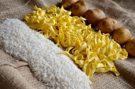 noodles-rice-potatoes-food-46280.jpeg